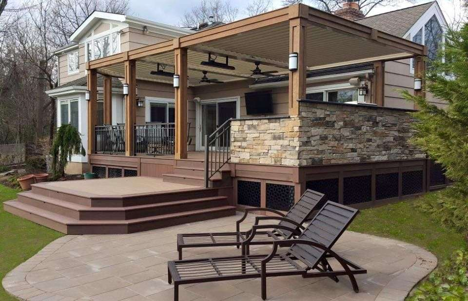 A fully customized Equinox Adjustable Louvered Roof ...