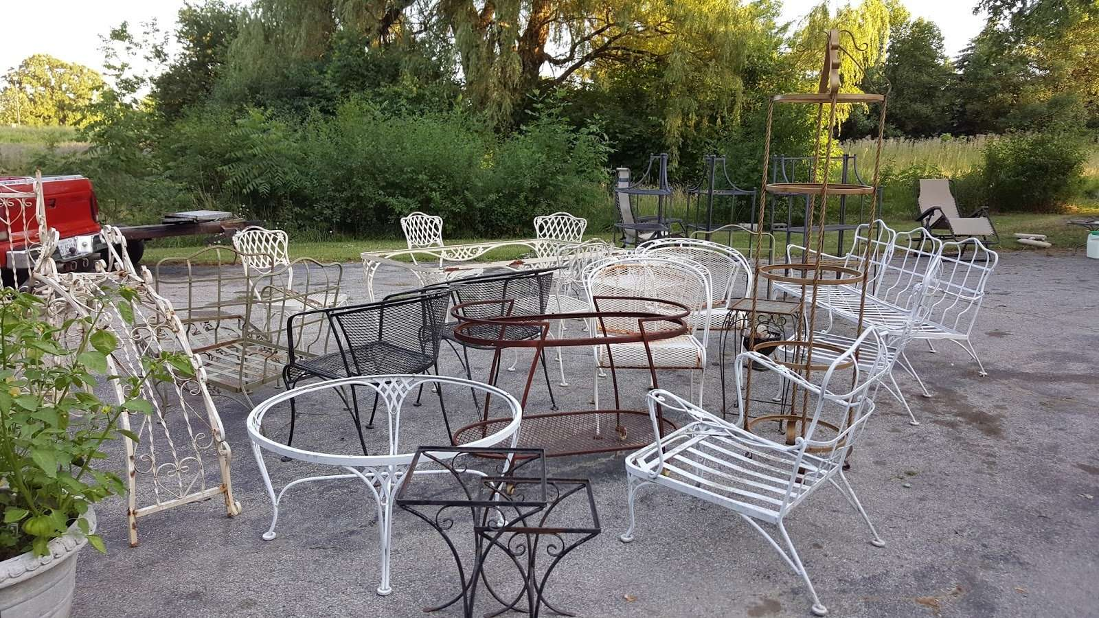 Gear Acres at Top of the Hill: Vintage Woodard Patio Furniture