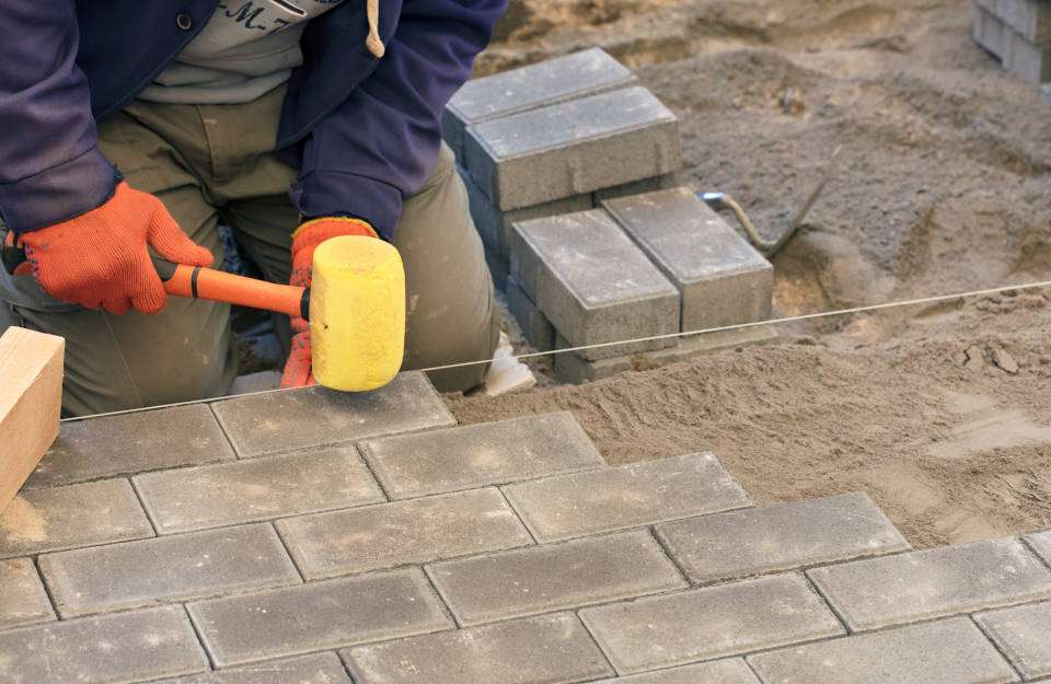 How to Install a Paver Patio in 6 Easy Steps