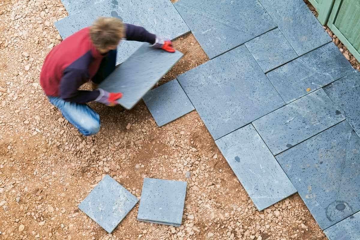 How to lay a garden patio