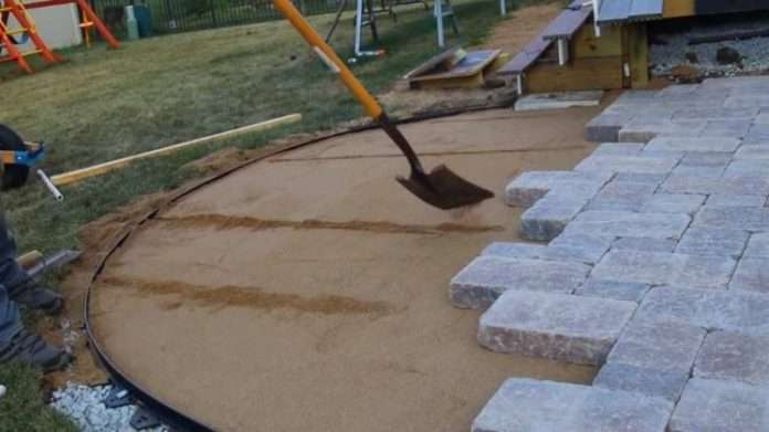 prepare and build paver patio with curves and border diy