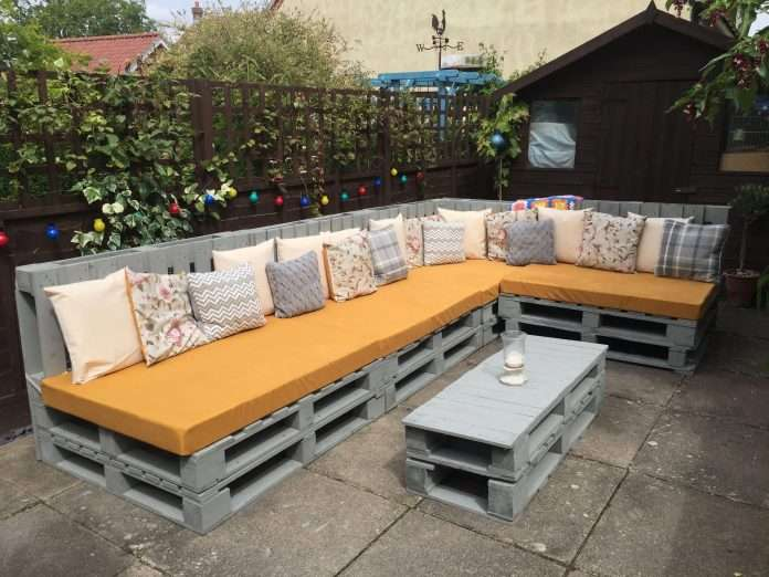 skid couch how to make patio furniture out of pallets